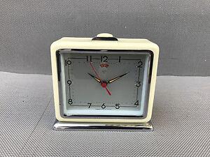 vintage alarm clock annonces d 39 achats et de ventes les meilleurs prix. Black Bedroom Furniture Sets. Home Design Ideas