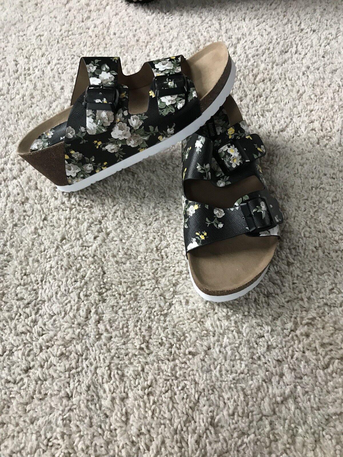 New Fergie Women Magnetize Leather Sandal Shoes Size 7 (MSRP ) Black