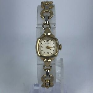 Vintage Caravelle Womens Wind Up White Dial Gold Tone Bracelet Analog Watch