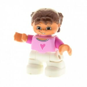 1x-Lego-Duplo-Figur-Kind-Maedchen-weiss-Pullover-rosa-Herz-Haare-Zoepfe-47205pb008
