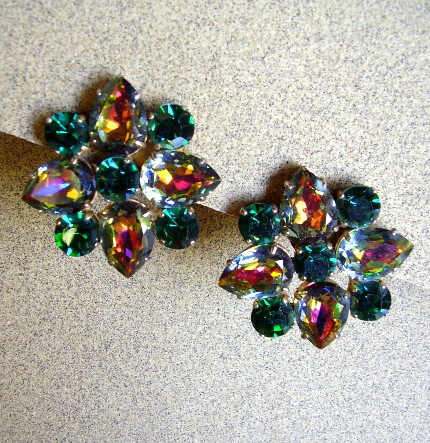 984    BOUCLES D'OREILLE CLIPS STRASS DE color