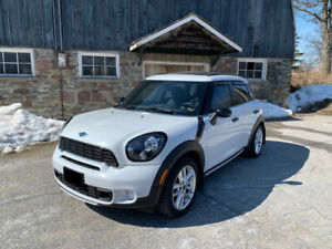 2016 MINI Cooper S Countryman S ALL4 (Fully Loaded)