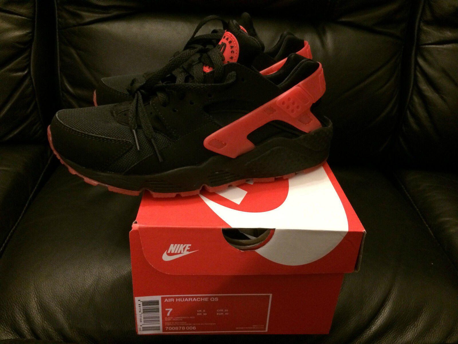 NIKE AIR HUARACHE LOVE HATE PACK BLACK NEW QS LIMITED EDITION SIZE NEW BLACK a99123
