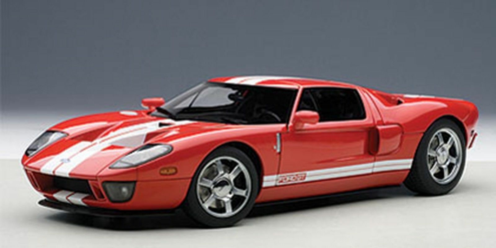 Autoart 2004 FORD GT rosso bianca STRIPES 1 18 New  Rare  Last One