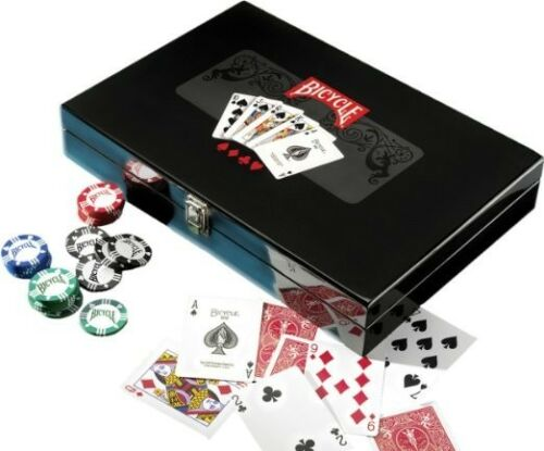 New Bicycle Masters 300 8-Gram Clay Composite Poker Chip Set in Black Lacqer Box