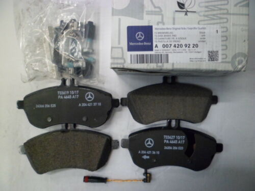Genuine Mercedes-Benz C-Class W204 Front brake pads /& sensor A0074209220