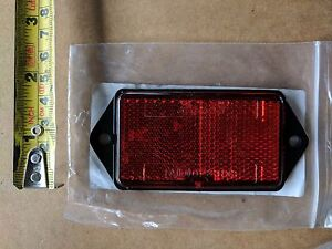 REAR-RED-REFLECTOR-FOR-TRAILERS-TRUCKS-OR-PLANT-MACHINES