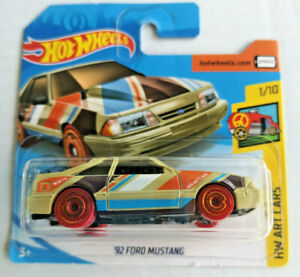 Hot-Wheels-Hw-corto-tarjeta-2020-039-92-Ford-Mustang-Arte-Cars-1-10