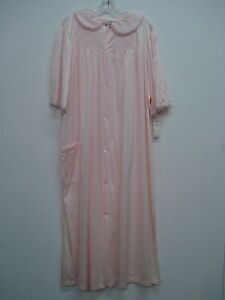 d96170bcec USA Made Nancy King Lingerie Waltz Length Robe Size Medium Pink ...