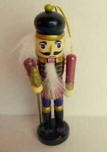 Nutcracker-Guard-Wooden-Soldier-Christmas-Ornament-2001