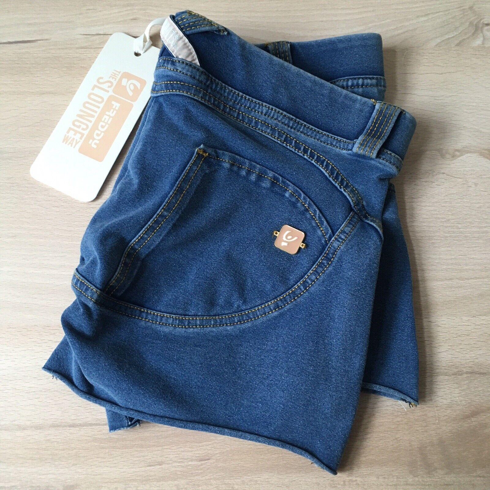 Freddy WR.UP Neu Gr. M Shorts blue Denim
