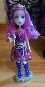 Monster High Chantant Pop Star Ari Hauntington Fashion Poupée Robe Lumières Musique-afficher Le Titre D'origine