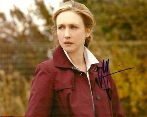 Vera-Farmiga-Bates-Motel-Autographed-Signed-8x10-Photo-COA-2