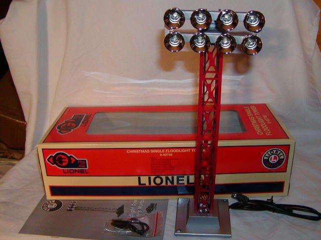 Lionel 6-82746 Christmas Red Single Floodlight Tower O 027 New MIB Illuminated