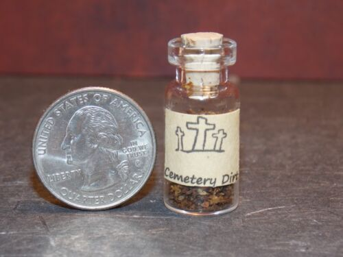 Dollhouse Miniature Witch Potion Jar Cemetery Dirt 1:12 scal H105 Dollys Gallery
