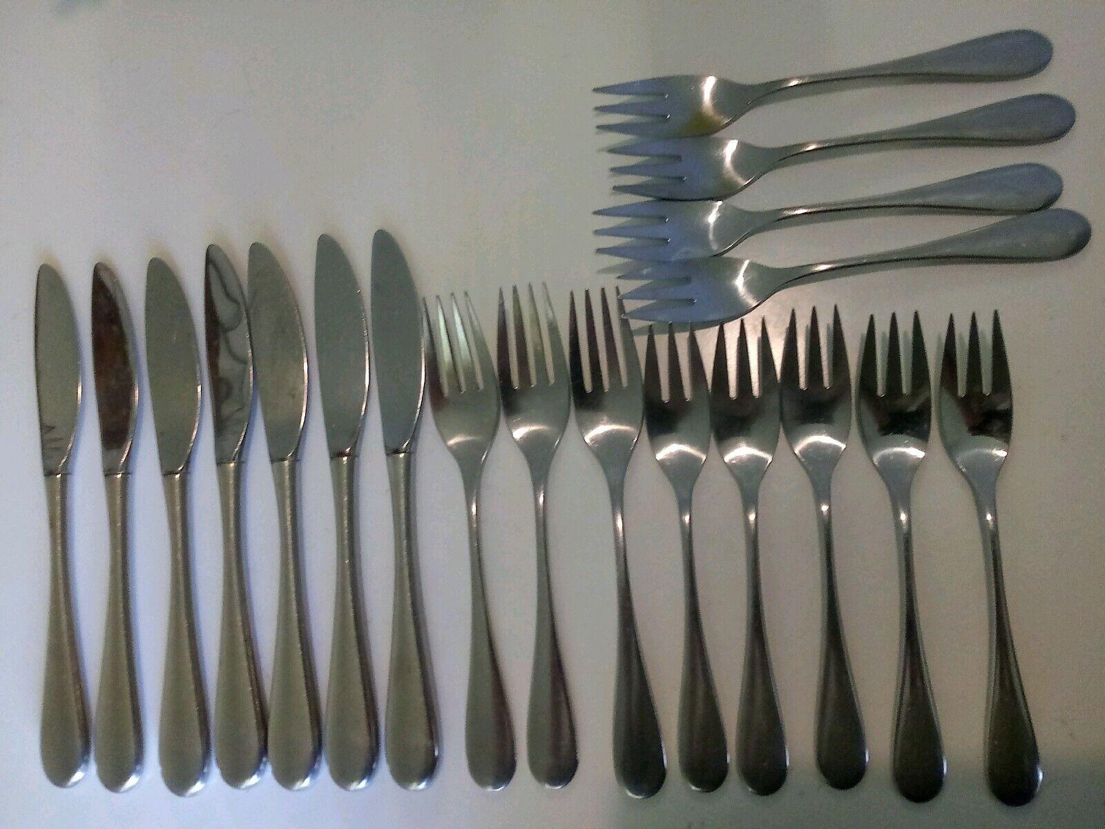 19 Pcs Oneida Cube OMNI Stainless (9) Salad Forks (3) Dinner Forks (7) Knives