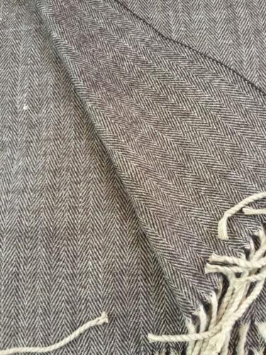 100/% Cashmere Scarf Brown Herringbone Tweed  Made in Scotland Warm NEW