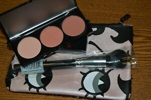 Betty-Boop-X-Ipsy-Cheek-to-Cheek-Blush-Palette-NEW-in-Box-with-Bag-amp-Brush
