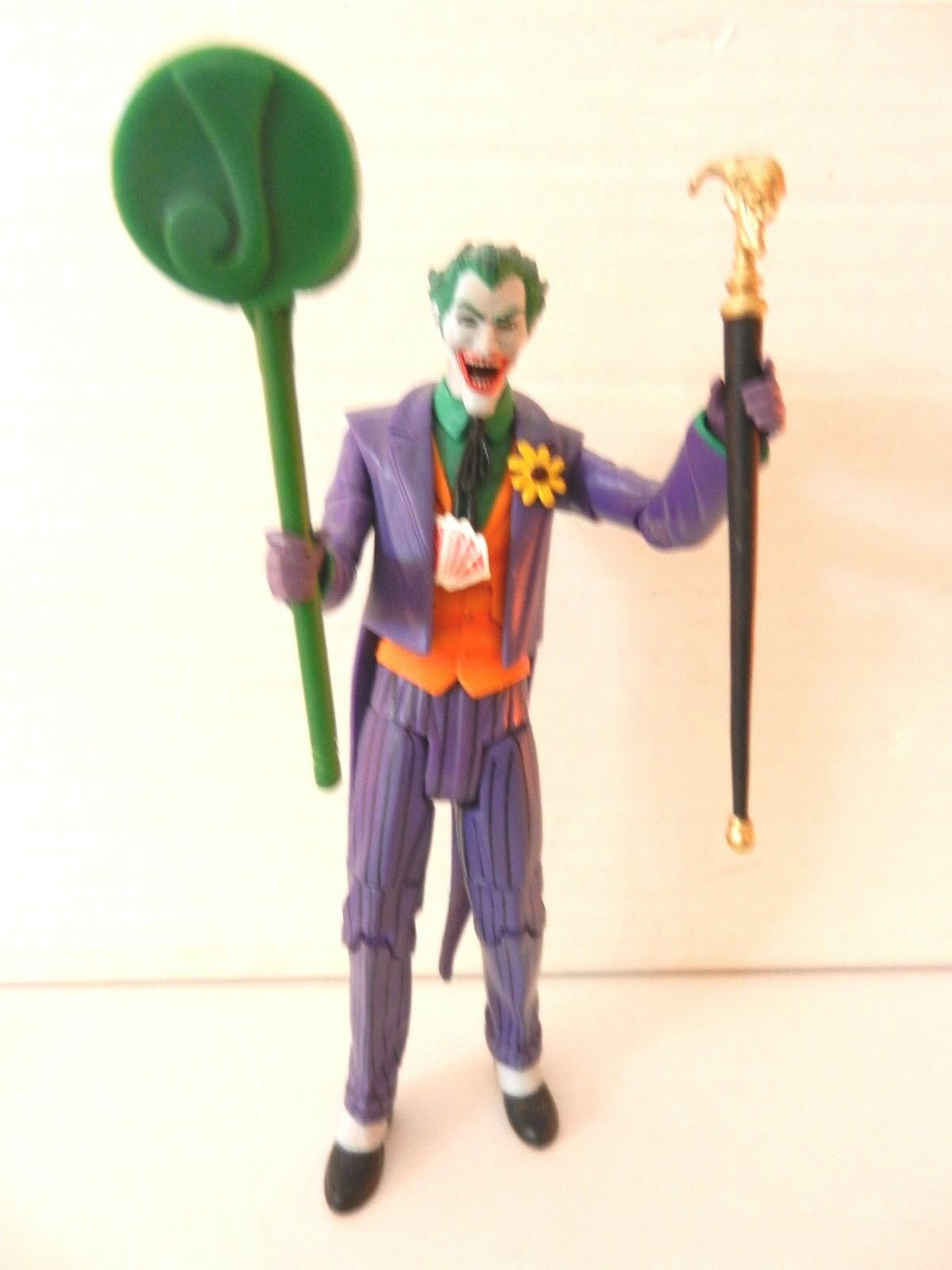 DC Direct   DC Universe Classics JOKER with Accessories