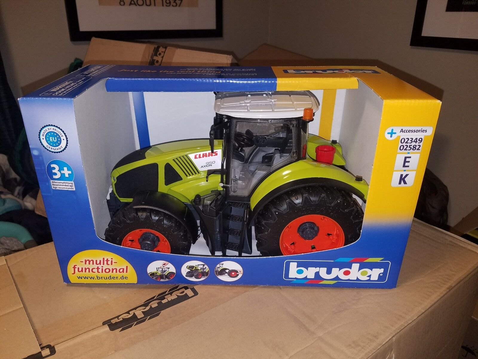 Bruder  03012 Claas Axion 950 - New Factory Sealed  3012