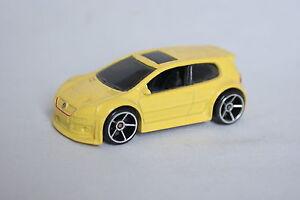 Hot-wheels-1-60-VW-GOLF-GTI-jaune