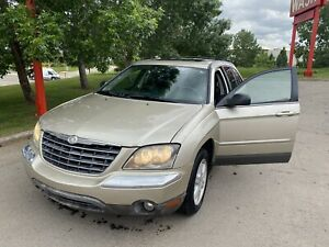 2005 Chrysler Pacifica LX / low Km / super good