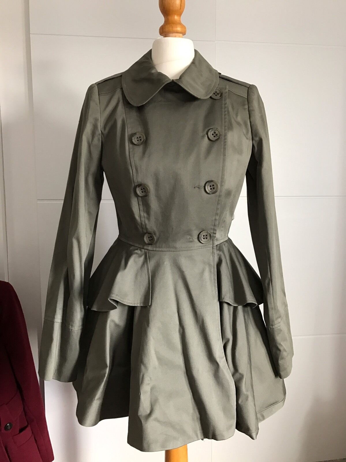 Lote  Miss Selfridge Peplum Mac chaqueta de  Color caqui Tamaño 6 hecho en Chelsea  entrega gratis