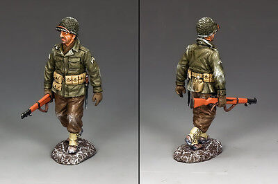 KING AND COUNTRY WW2 Walking Winter GI BBA068 BBA68