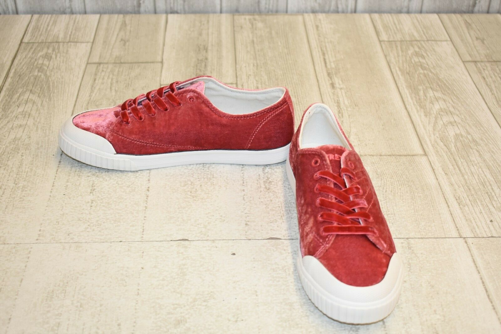 Tretorn Marley 4 Sneaker - Women's Size 7.5, Light Red