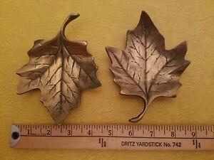Set-of-2-Vintage-Brass-Leaf-Trinket-Dish-Unbranded-ashtray-maple-oak-leaves