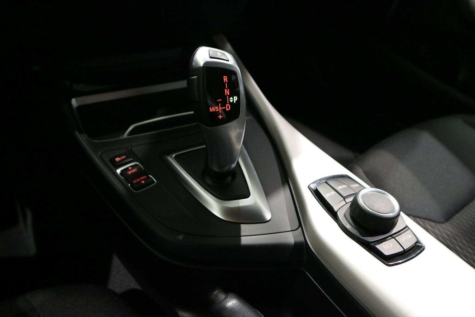 BMW 118i 1,5 Connected aut. - billede 7