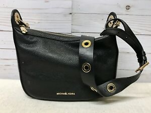 d2d4eae72413 Image is loading Michael-Kors-Raven-Medium-Leather-Messenger-Black