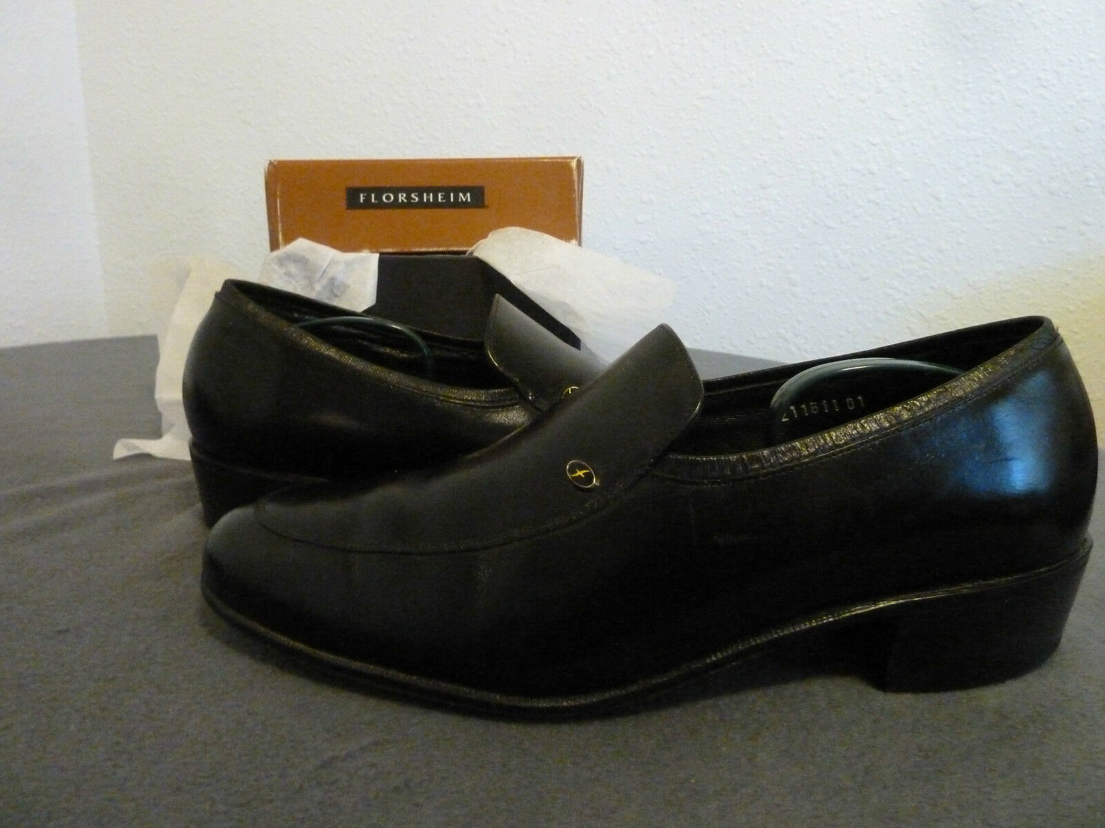 MEN'S SIZE 9 3E FLORSHEIM GENUINE DRESS SHOES W/BOX BLACK GENUINE FLORSHEIM LEATHER ec0622