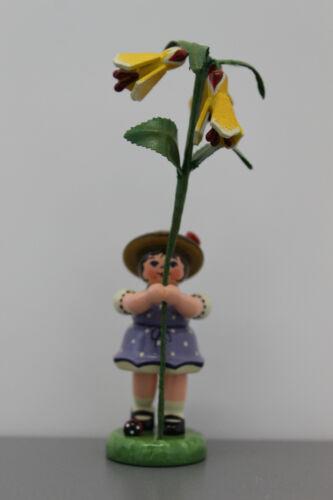 381-307h0057 Hubrig Blumenkind Mädchen mit Schönmalve