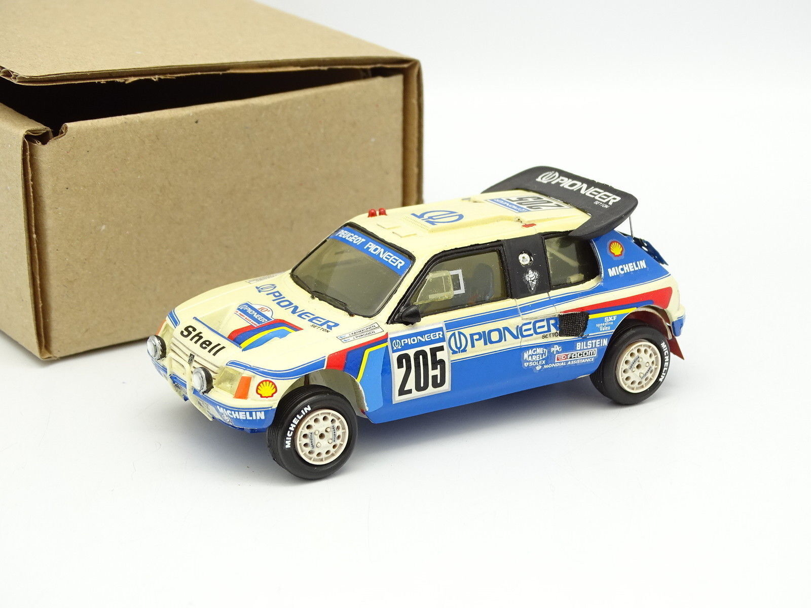 Provence Moulding Kit Assembled 1 43 Peugeot 205 T16 No.205 Rally Paris Dakar
