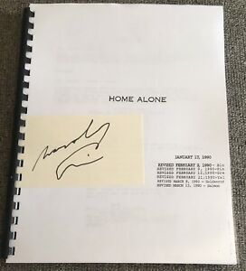 MACAULAY-CULKIN-SIGNED-AUTOGRAPH-034-HOME-ALONE-034-EXTREMELY-RARE-FULL-MOVIE-SCRIPT