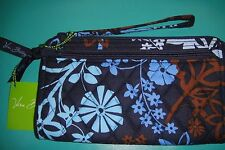 "VERA BRADLEY FRONT ZIP WRISTLET in the RETIRED ""JAVA FLORAL""  PATTERN NWT! $34"