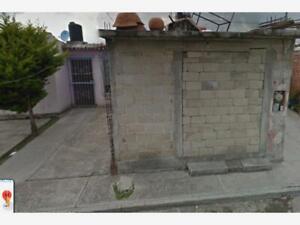 Casa en Venta en Santiaguito Cuaxustenco