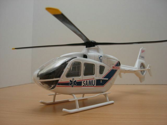 HELICOPTERE EUROCOPTER EC135 SAMU ambulancia ambulancia ambulancia 1 43 aa00c4