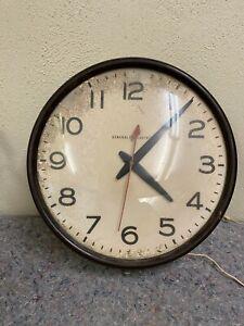 Vintage-General-Electric-School-Wall-Clock-Bakelite-Model-2915B-Works
