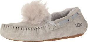 Donna-Scarpe-UGG-Dakota-Pantofole-Mocassino-Pom-Pom-1019015-tenuta-NUOVO