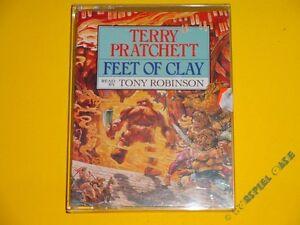 2-MC-Terry-Pratchett-Feet-of-Clay-CORGI-Audio-Scheibenwelt