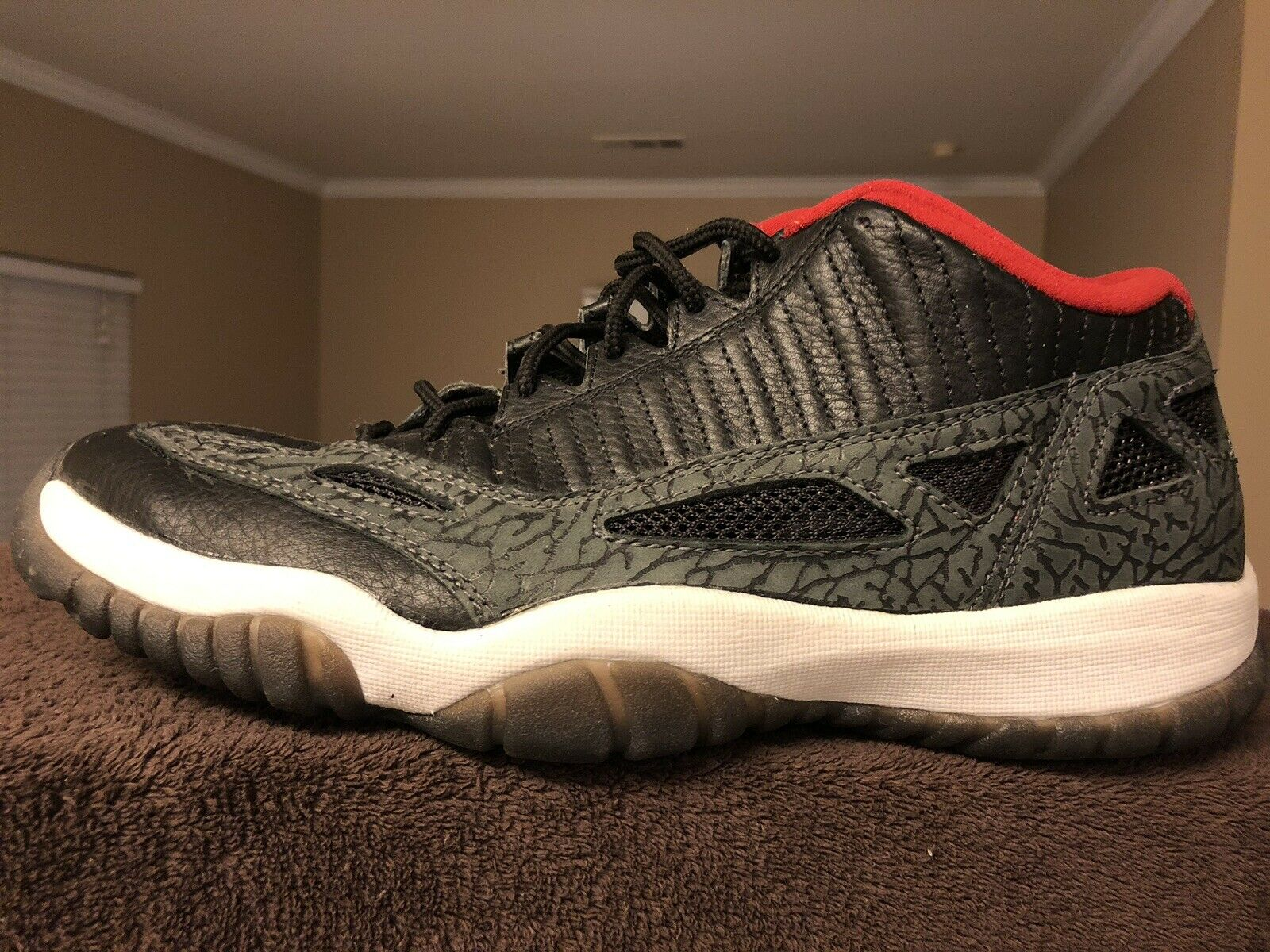 Nike DS Air Jordan Retro 11 Low Size 11.5 (2003)