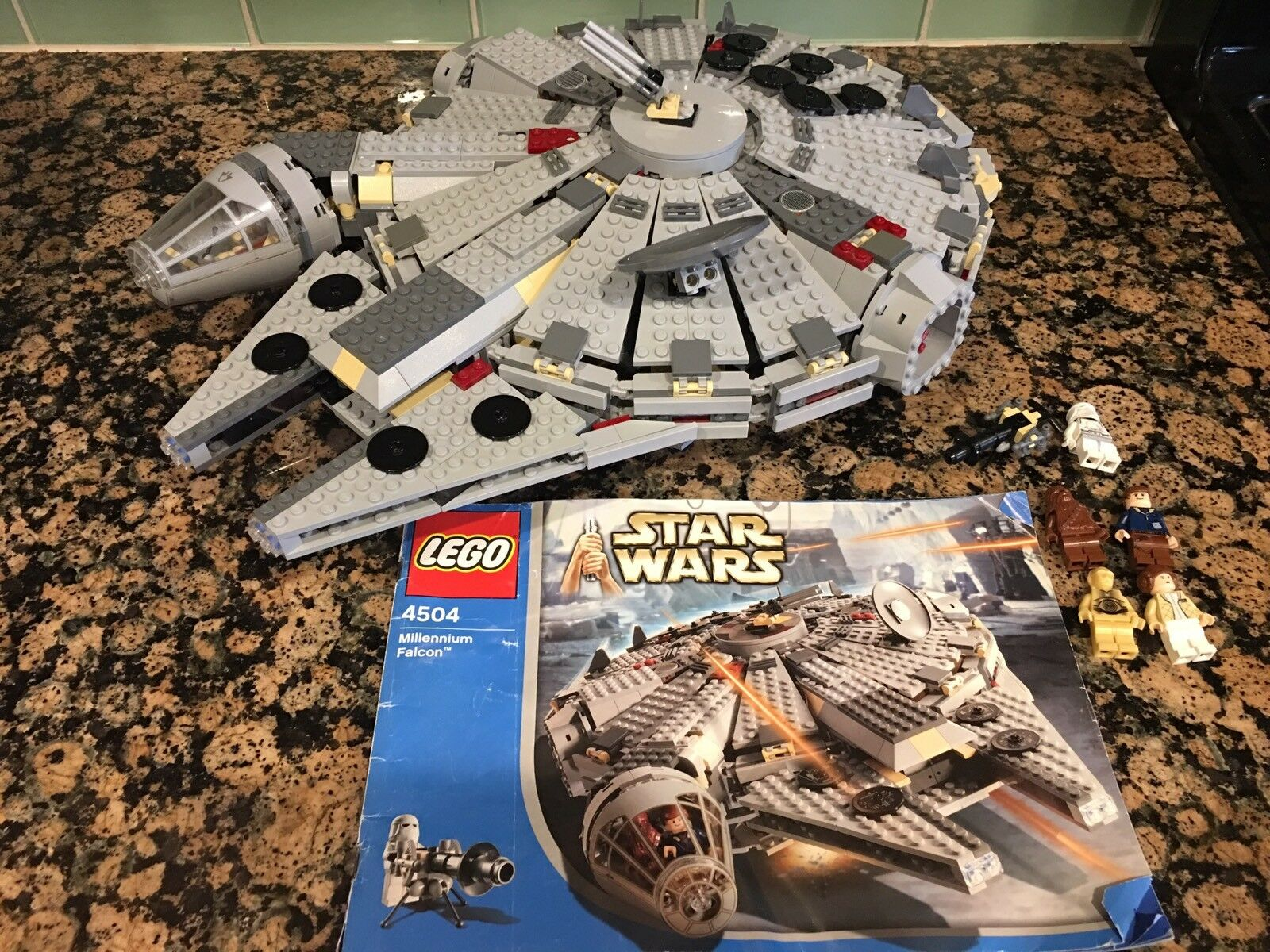 LEGO Star Wars Millennium Falcon 2004  4504  W/ Instructions & Minifigures