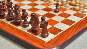 Red-Sandal-Staunton-Pieces-Chess-Set-Matching-Board