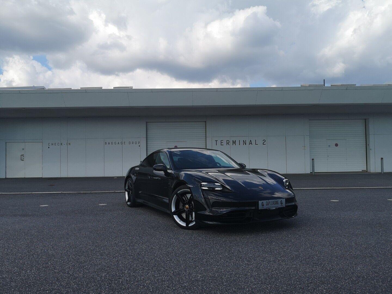 Porsche Taycan Turbo   4d