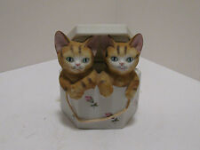 Vintage Mann Porcelain Music Box Cats In Hat Box -  Made in Japan