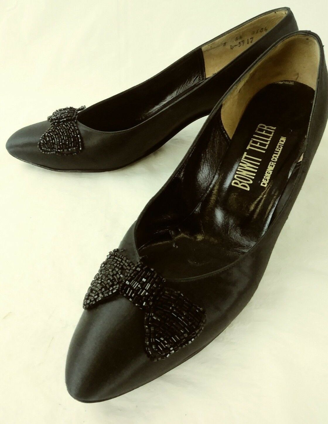 Bonwit Teller Wos Heels Designer US 8 AA Black Satin Beaded Bow Dress shoes 5445