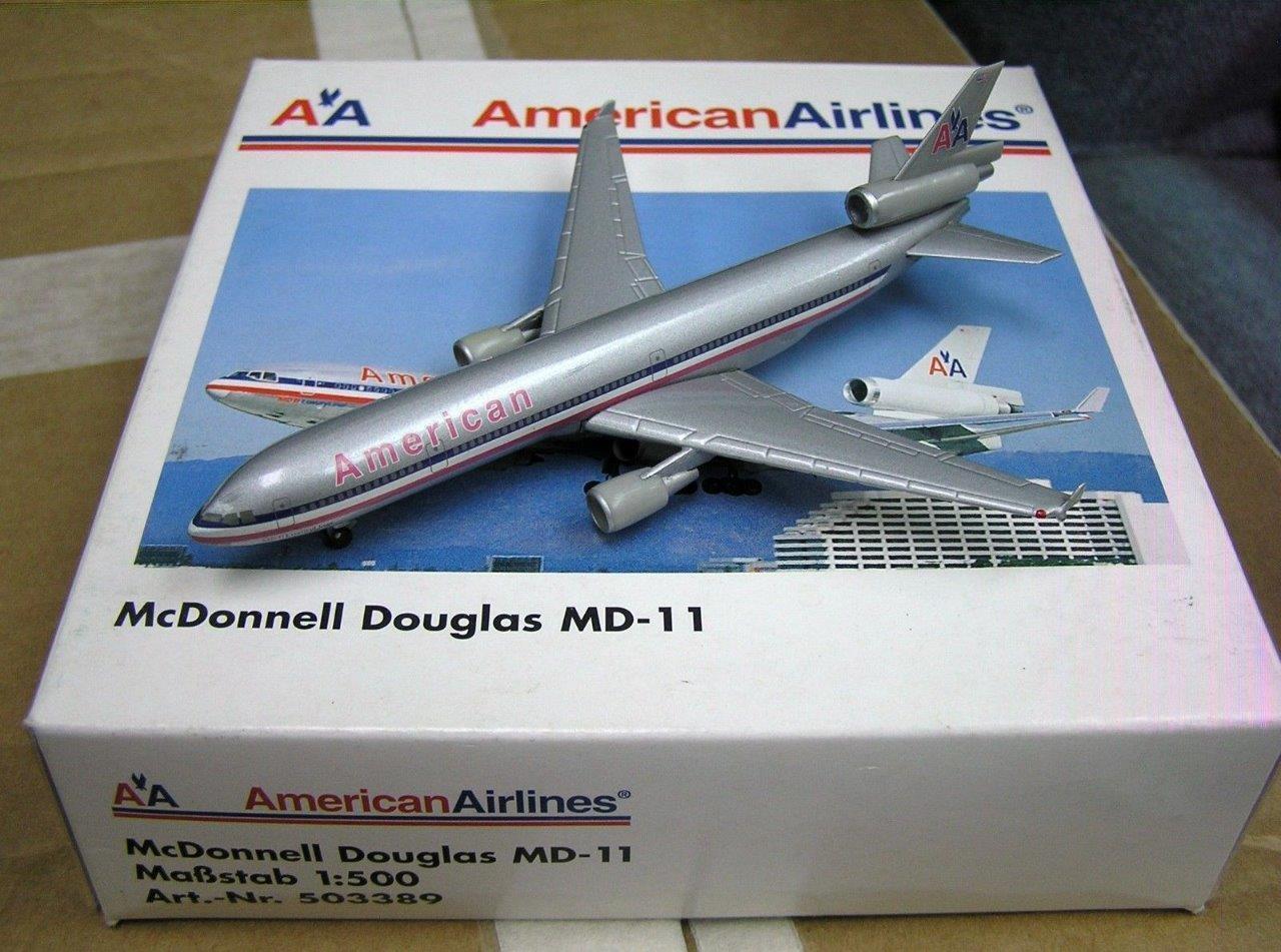 NEW HERPA WINGS 503389 AMERICAN AMERICAN AMERICAN AIRLINES MCDONNELL DOUGLAS MD-11 NIB 1 500 SCALE 47f6dd
