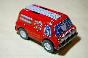 New-VINTAGE-Tin-Toy-Sanko-3-034-Friction-Metal-Fire-Engine-Truck-Made-in-Japan